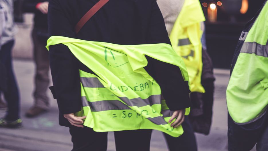Featured_Image_Yellow_Vest_935x526